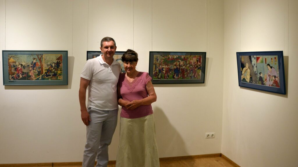Lis VD and Tverskaya LV 2016 at the exhibition of Japanese engraving in the Museum of Ukrainian Painting in Dnipro